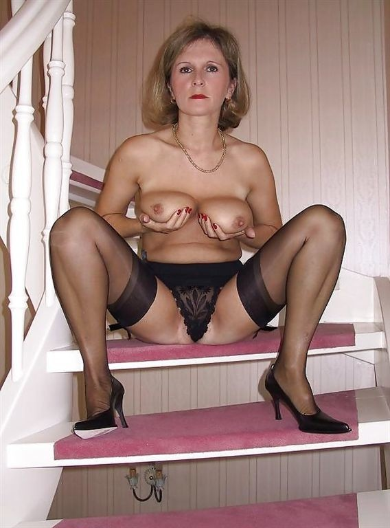 Pantyhose hairy mature women